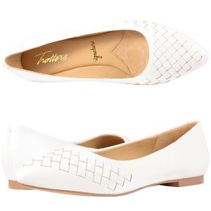 Trotters Estee White Woven Leather Flats
